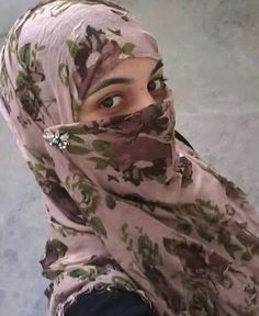 Beautiful Women Videos, Beautiful Muslim Women, Beautiful Hijab, Muslim Girls Photos, Stylish Girls Photos, Girl Hijab, Arab Girls Hijab, Pakistani Girls Pic, Stylish Hijab