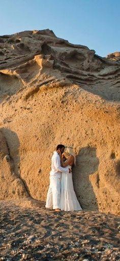 #Beach wedding photography in #Santorini    amazing!