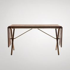Hans J. Wegner: Cross-Legged Table 1952