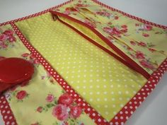 An easy wallet for you to sew by Debbie Shore - YouTube