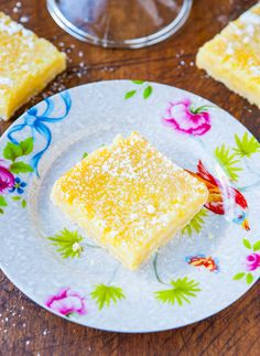 The Best Lemon Bars @Averie Sunshine {Averie Cooks} Sunshine {Averie Cooks}. She is a cook and a writer. Her details are wonderful. Can't wait. Love a good lemon bar.