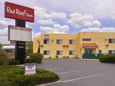 Santa Fe (NM) Red Roof Inn Santa Fe United States, North America Stop at Red Roof Inn Santa Fe to discover the wonders of Santa Fe (NM). Featuring a complete list of amenities, guests will find their stay at the property a comfortable one. All the necessary facilities, including facilities for disabled guests, Wi-Fi in public areas, car park, meeting facilities, pets allowed, are at hand. Comfortable guestrooms ensure a good night's sleep with some rooms featuring facilities s...