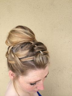 #updo #topknot #bun #braidedhair #braids #braidedstyle #blonde #canvasboone #canvasbeautybar @siermueller