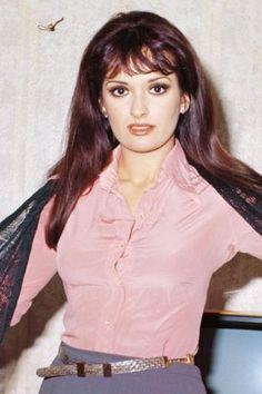 Müjde Ar - Turkish Actress