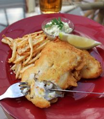 Beer is close to the hearts of many a Saffa - try this Beer Battered Fish and Chips! Beer Battered Fish, Fish And Chips, Best Places To Eat, Restaurant Bar, Main Dishes, Hearts, Cooking, Food, Main Course Dishes
