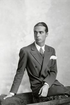 Today we are celebrating the man who has been called the King of Couture, Cristóbal Balenciaga. Balenciaga was born on this day 121 years ago in 1895 in th Balenciaga, Givenchy, Christian Dior, Spanish Fashion, Mode Chic, Moda Vintage, Fashion History, Style Icons, Men's Style