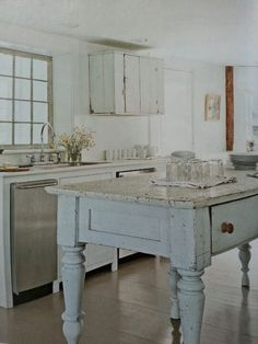 like this cottage kitchen blend of stainless and vintage painted table Shabby Chic Bleu, Shabby Chic Kitchen, Country Kitchen, Kitchen Decor, Vintage Kitchen, Cottage Kitchens, Home Kitchens, Cottage Living, Cottage Style