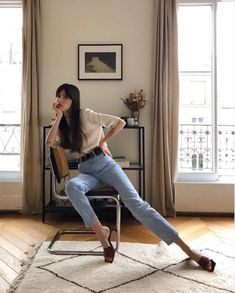 10 absolutely chic ways to dress like a Parisienne - They say French women are the chicest women on earth, so why not dress like them! They say French women are the chicest women on earth, so why not dress like them Parisian Style Fashion, French Fashion, French Women Style, French Girls, French Chic Style, Style Chic Parisien, Dress Like A Parisian, Style Parisienne, Paris Mode
