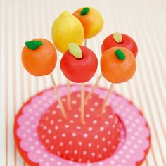 Google Image Result for http://www.marieclairemaison.com/data/photo/mh600_c18/pop-cakes-aux-fruits.jpg