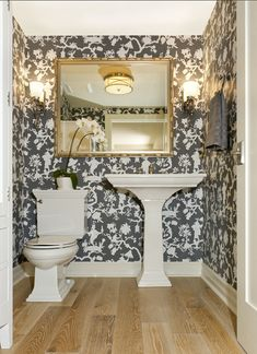 Windsor Smith Gray in interior design has been hot for several years, and this trend will continue through 2017. I adore the combinatio...