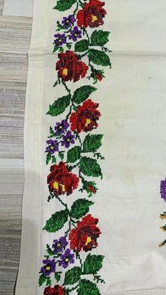 Decor, Ladies Capes, Towels, Cross Stitch, Craft, Crochet Bedspread Pattern, Cross Stitch Samplers, Bom Dia, Roses
