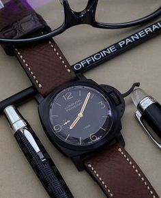 Time to jump over to the darkside with this #Panerai PAM335 1950's case 10 days Ceramic GMT. Pic by @timezonetweets via my buddy @watchmania