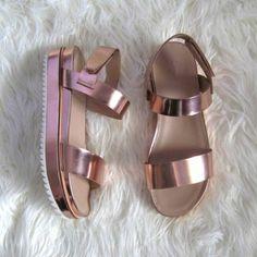 sandales roses design femme, chaussures d ete femme en rose