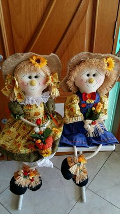 Two girls just sitting and smiling Crafts To Sell, Diy And Crafts, Arts And Crafts, Halloween Crochet, Halloween Crafts, Halloween Wallpaper Iphone, Scarecrow Doll, Fair Theme, Sewing Projects