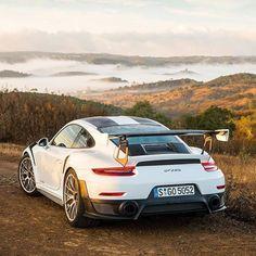 Porsche 911 GT2 RS #porscesupercar