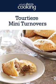 Tourtiere Mini Turnovers Make these savoury little bites for the best appetizers at your holiday parties. Tap or click photo for this Tourtiere Mini Turnovers New Year's Desserts, Christmas Desserts Easy, Cute Desserts, Holiday Appetizers, Best Appetizers, Christmas Baking, Holiday Recipes, Holiday Parties, Dessert Recipes