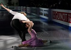 Meryl and Charlie:  I've never seen anyone do splits on the ice before!