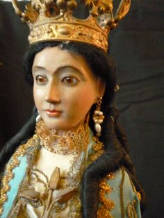 Magnificent 19th C. Spanish carved wood Santos Madonna doll : from frenchfadedgrandeur on Ruby Lane