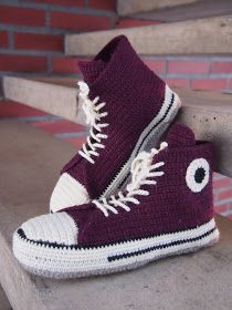 Lystikäs koti: Tossua toisen eteen Crochet Socks, Converse Chuck Taylor, Crochet Projects, Diy And Crafts, High Top Sneakers, Slippers, Knitting, Shoes, Cellulite