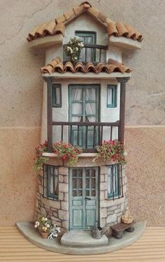 tejas decoradas – Hobbies paining body for kids and adult Clay Houses, Ceramic Houses, Miniature Houses, Tile Crafts, Clay Crafts, Diy And Crafts, Clay Fairy House, Fairy Garden Houses, Pottery Houses