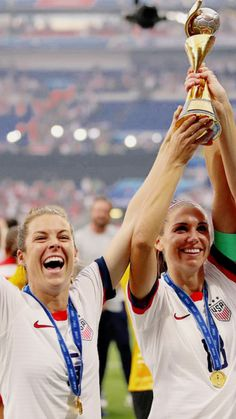 Worms and Janice Us Soccer, Play Soccer, Soccer Sports, Female Soccer Players, Team Success, Alex Morgan Soccer, Fifa Women's World Cup, European Soccer, Fc Chelsea