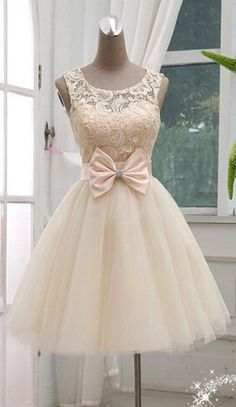 Dress,Lace Homecoming Dresses,Short Prom Gown,Champagne Homecoming Homecoming Dress,Ball Gown Homecoming Sweet 16 Dress For Teens Vestido corto en color pastel con encaje en la parte de arriba y un detalle de un moño en la cintura Dresses Short, Sweet 16 Dresses, Dresses For Teens, Pretty Dresses, Beautiful Dresses, Formal Dresses, Sweet Dress, Gorgeous Dress, Lace Ball Gowns