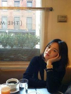 Song Hye Kyo added 78 new photos to the album: Song Hye Kyo. Pretty Songs, Love Songs, Song Hye Kyo Style, Song Joong Ki, Korean Actresses, Actor Model, Girl Crushes, Elegant Woman, Korean Beauty