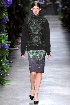 Givenchy Fall 2011 Ready-to-Wear Collection Slideshow on Style.com