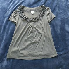LOFT shirt with  neckline detail! Perfect dressy tee in great condition! LOFT Tops Tees - Short Sleeve