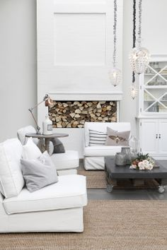 A series of KIVIK one-seat sections give the illusion of a more spacious living room whiteinteriordesign Living Area, Living Spaces, Modern Rustic Decor, White Interior Design, Spacious Living Room, Decoration Design, Home And Deco, White Decor, Living Room Inspiration