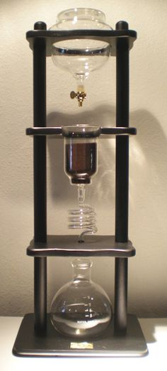 Yama Cold Coffee Brewer: This beautifully crafted tower uses extreme care in slowly and carefully extracting the coffee for an ideal cold brew. Cold Coffee Brewer, Tea Brewer, Cold Brew Iced Coffee, Coffee Cups, Drip Coffee, Cold Brew Coffee Machine, Coffee Dripper, Espresso Coffee, Coffee Shop
