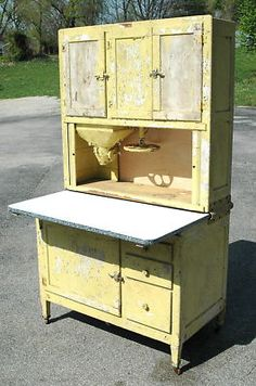 If I could only own one peice of antique furniture it would be a kitchen hoosier. love! Love! LOVE!