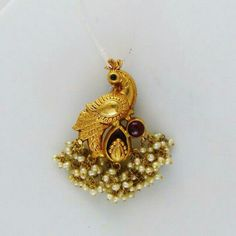Peacock pendent Antique Jewellery Designs, Gold Jewellery Design, Antique Jewelry, India Jewelry, Temple Jewellery, Indian Wedding Jewelry, Bridal Jewelry, Pendant Jewelry, Beaded Jewelry