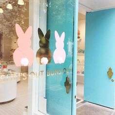 Sun's out, buns out. @sugarfina