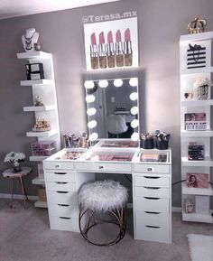 Vanity Decor - Impressions Vanity Co.mx amazing glam space featuring out Glow XL Mirror and Plus Tabletop 💫Link in bio to shop - Preteen Girls Rooms, Bedroom Decor For Teen Girls, Room Ideas Bedroom, Diy Bedroom Decor, Home Decor, Room Decor Bedroom Rose Gold, Bedroom Mirrors, Mirror Room, Bedroom Small