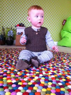 Aksel i ribvest fra Asta & Alfred. Kids Rugs, Home Decor, Homemade Home Decor, Kid Friendly Rugs, Interior Design, Home Interiors, Decoration Home, Home Decoration, Nursery Rugs