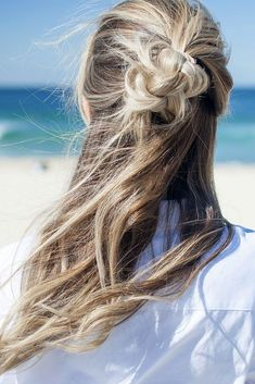 Looking for wedding hairstyles that make your hair fuller and thicker? Check out our best collection of wedding hairstyles for thin hair! Hairstyles For Medium Length Hair Easy, Wedding Hairstyles For Long Hair, Diy Hairstyles, Hair Wedding, Bridal Hairstyles, Hairstyle Ideas, Wedding Bride, Hair Ideas, Thin Hair Updo