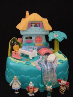 Ultra Rare Disney Vintage Polly Pocket Alice in Wonderland Fantasy playset 100%