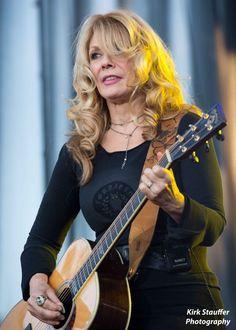 https://flic.kr/p/odoTPp | Heart @ Marymoor Park | Nancy Wilson of Heart performs on July 1, 2014 at Marymoor Park in Redmond, Washington