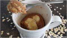 This 1 Minute oatmeal banana vegan cake in a mug recipe uses a few simple ingredients. It is the perfect blend of oatmeal and banana cake it one. Healthy Cake, Vegan Cake, Vegan Desserts, Dessert Recipes, Vegan Sweets, Vegan Meals, Vegan Food, Healthy Snacks, Vegan Recipes Videos