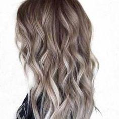 Saçlarınızın da yaza hazir olması için sizi salonuma bekliyorum. #hairstyle #haircolor #saç #gri #ombre #güzellik #bakım #trend #moda #sacmodelleri #kadın #kuaför http://turkrazzi.com/ipost/1521121200431049144/?code=BUcG6wsAim4