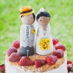 Eu e meu amor...S2 #love  #bonecodemadeira #pintura #cores #color #noiva #noivasdobrasil  #cake #decoracaodecasamento #bolodecasamento #diy #bridal #marriage #luciastartare