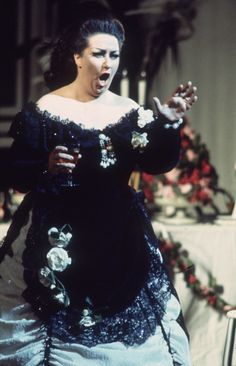 Spanish opera diva Montserrat Caballé dies at 85 Radio Usa, Montserrat, Carnegie Hall, Queen Freddie Mercury, Opera Singers, Diana Ross, Buckingham Palace, Classical Music, My Music