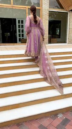 Punjabi Salwar Suits, Salwar Kameez, Indian Bridal Outfits, Indian Fashion Dresses, Indian Designer Outfits, Beautiful Frocks, Beautiful Dress Designs, Punjabi Suit Boutique, Boutique Suits