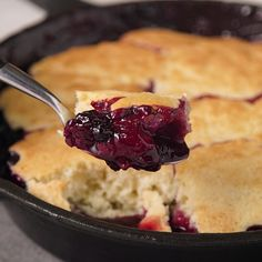 Cobbler ~ Hands Only Baking Recipes, Dessert Recipes, Desserts, Cobbler, Tasty Dishes, How To Make Cake, Cooking Time, Food Inspiration, Sweet Recipes