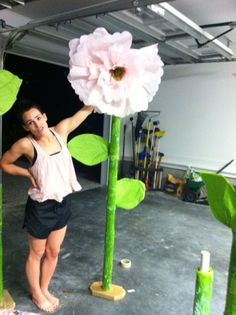 DIY giant flower - Living With Color Designs