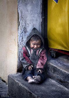 Pequeño mendigo en La Antigua Guatemala - dleiva, flickr