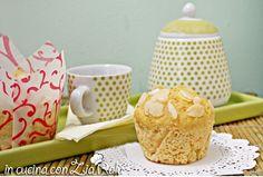 I muffins senza burro ricotta e mandorle sono dei dolcetti monoporzione che vi faranno iniziare la giornata con energia e gusto