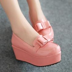 Pink Bow Accent Platform Shoe