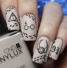 12 Harry Potter Nail Art Designs to Conjure Your Inner Witch or Wizard, - Beauty Harry Potter Nail Art, Harry Potter Nails Designs, Cute Acrylic Nails, Cute Nails, Gel Nails, Toenails, Nail Art Designs, Simple Nail Designs, Pretty Nail Art